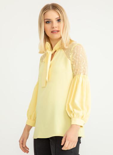 Foremia Omuzu Dantel Detay Bluz Sarı